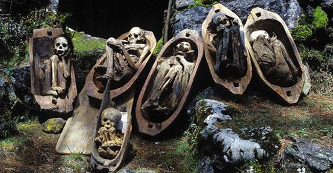 Le-mummie-della-popolazione-Ibaloi.jpg